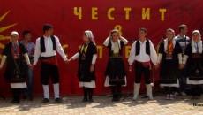 Со низа активности на кој се слушаше македонската песна и игри и Македонците во Албанија го одбележаа 8-ми септември, Денот на независноста на Македонија. Одбележувањето започна уште на пети и […]