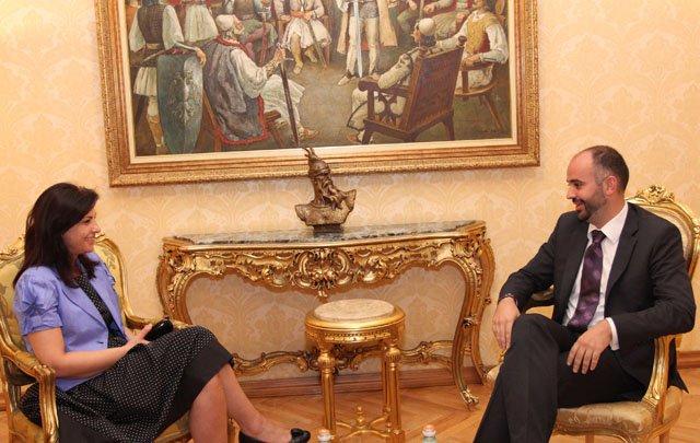 Средба со претседателот на сообранието Јозефина Топали