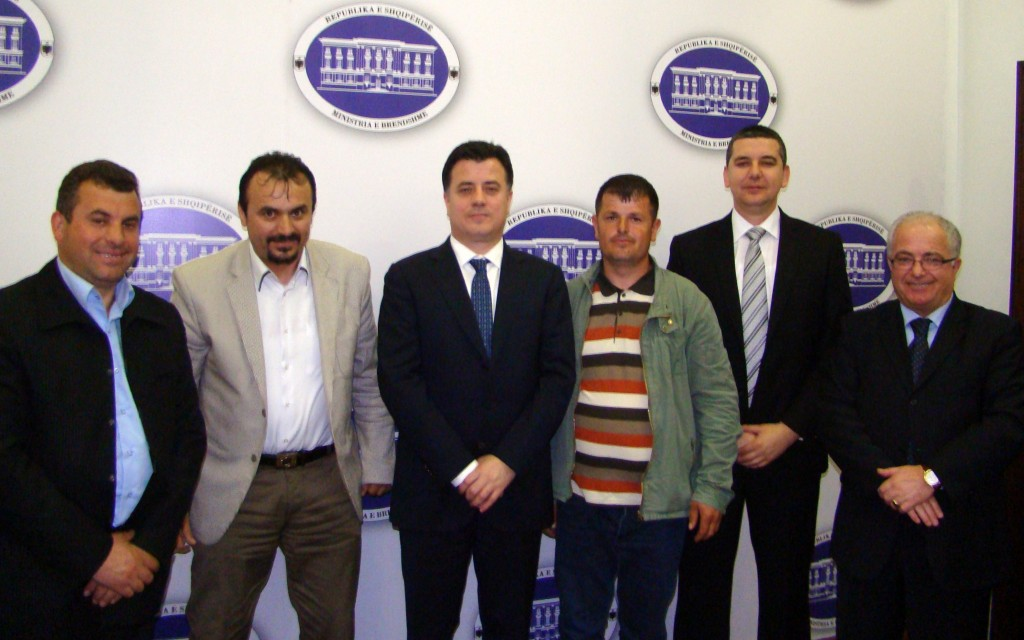 Делегацијата на Македонска алијанса на средба со министерот Фламур Нока