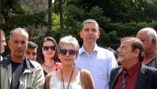 Nga Voskopoja, përfaqësuesit e minoritetit Maqedonas, Grek, Serbo-malezez, Boshnjak, Vlleh, Rom dhe Egjiptjan përmes një dekleratë të përbashkët i bënë thirrje qeverisë së re shqiptare të zgjidhë problemet e tyre […]