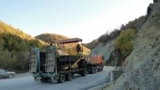 Македонските царински службеници на граничниот премин Џепиште-Требиште ги пропуштија првите градежни машини, опрема и возила натоварени со градежен материјал кои ќе се користат за реконструкција на патот од Граничниот премин […]