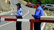 Officials in Macedonia and Albania said the opening of new border crossing points will increase co-operation among bordering towns and contribute to economic development in both countries. Vasil Sterjovski, general […]