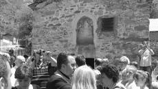 """Македонците во Горно Крчиште, општина Маќеларе, традиционално по шести пат организираа прослава на Христијанскиот празник Спасовден. Прославата се одржа кај црквата """"Свeти Спас"""", која е изградена во 1232 година и […]"""