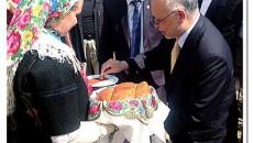 Ambasadori i Shteteve të Bashkuara të Amerikës, Aleksandër Arvizu ka qëndruar për vizitë pune në komunën e Pustecit ku pati një mikëpritje të ngrohtë dhe të mrekullueshme nga banorët e […]