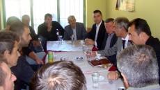 Me rastin e 11 Tetorit- Dita e kryengritjes popullore në Maqedoni, ambasadori maqedonas në Tiranë, Stojan Karajanov dje vizitoi Maqedonasit në Gollobrdë. Ambasadori Karajanov pati takime të përzemërta me banorët […]