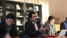 Министерот за локална самоуправа на Албанија, Бленди Чучи на средбата во Корча со претставници на локалните институции околу законот за административно територијалната поделба, избегна да одговори на делот од прашањето […]